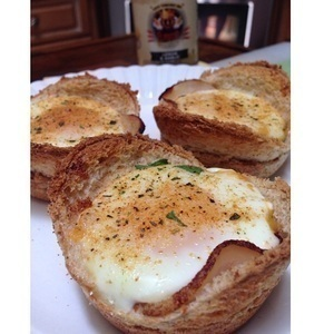 Breakfast Wholewheat bread cup w spinach cheddar & egg