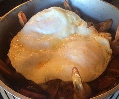 Shrimp 'n Grits with an Egg